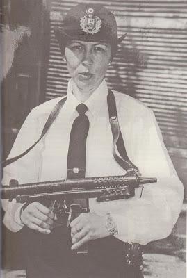 Agente de policía Gloria Cor
