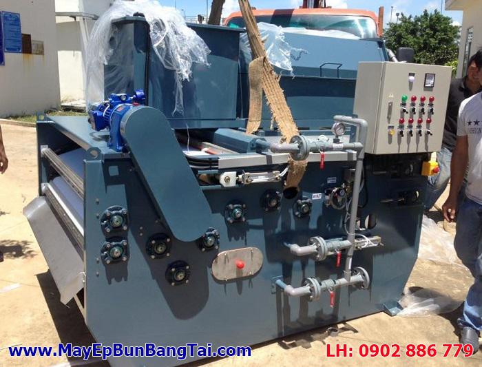 Máy ép bùn băng tải Chishun - Đài Loan nhập khẩu về kho hàng, chuẩn bị bàn giao cho dự án
