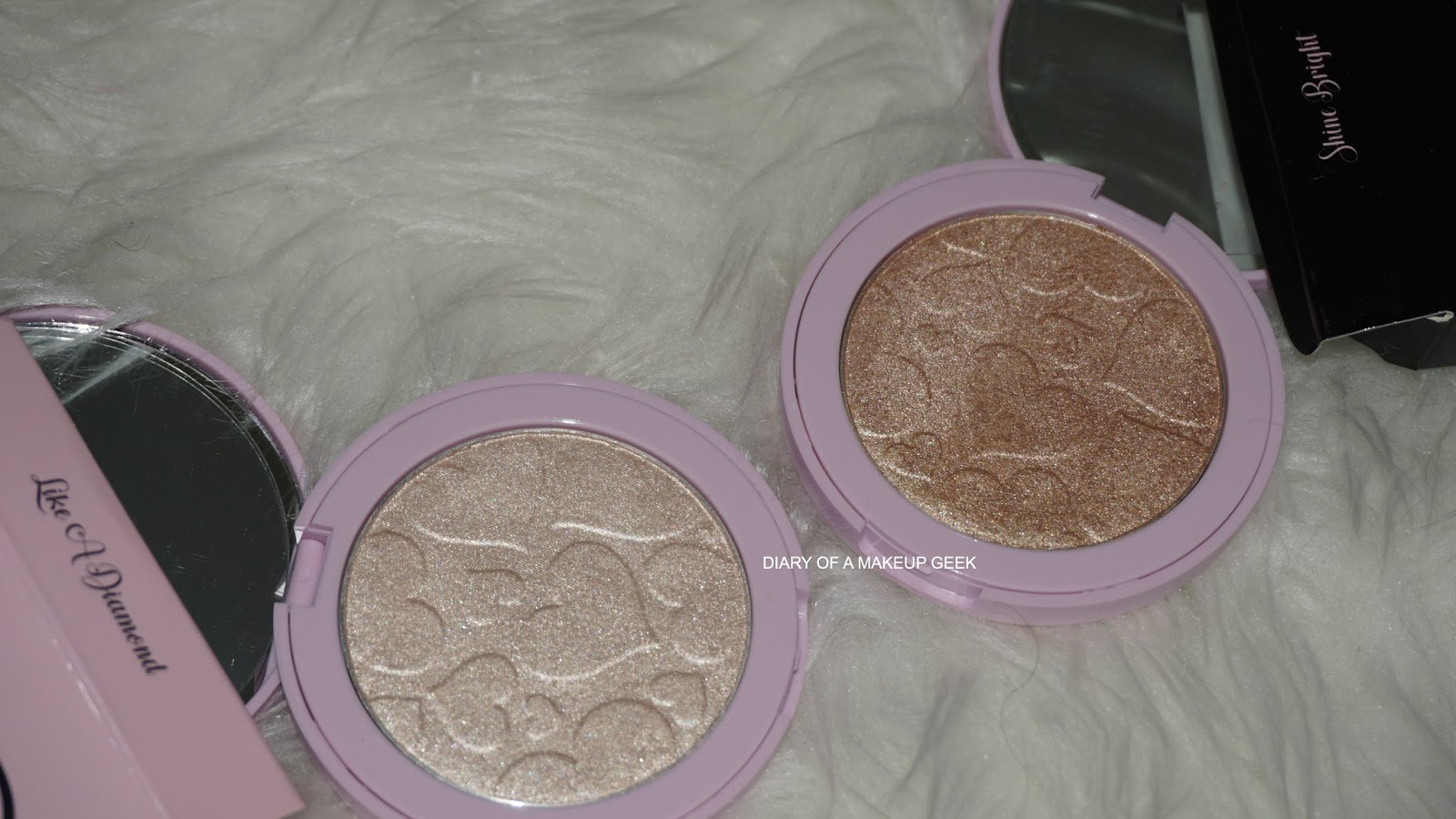 2983ac83ad7 ... caused a crazy uproar in the world of makeup, easily amongst the MOST  popular as it stands along with the Amrezy highlighter. Doll Beauty Doll  Lights ...