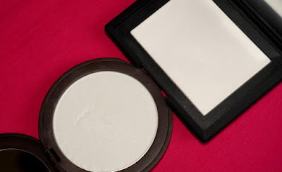 4 Classic Benefit Face Powders for Every Day Healthy Glow