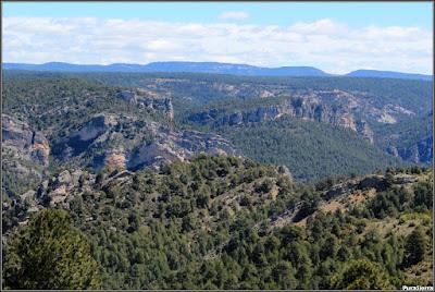 Valle modelado por el Río Escabas