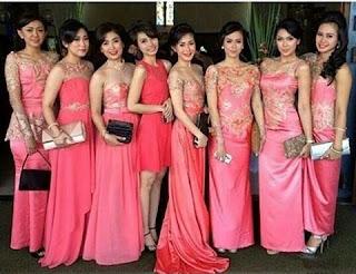 Model Kebaya Batik Pesta