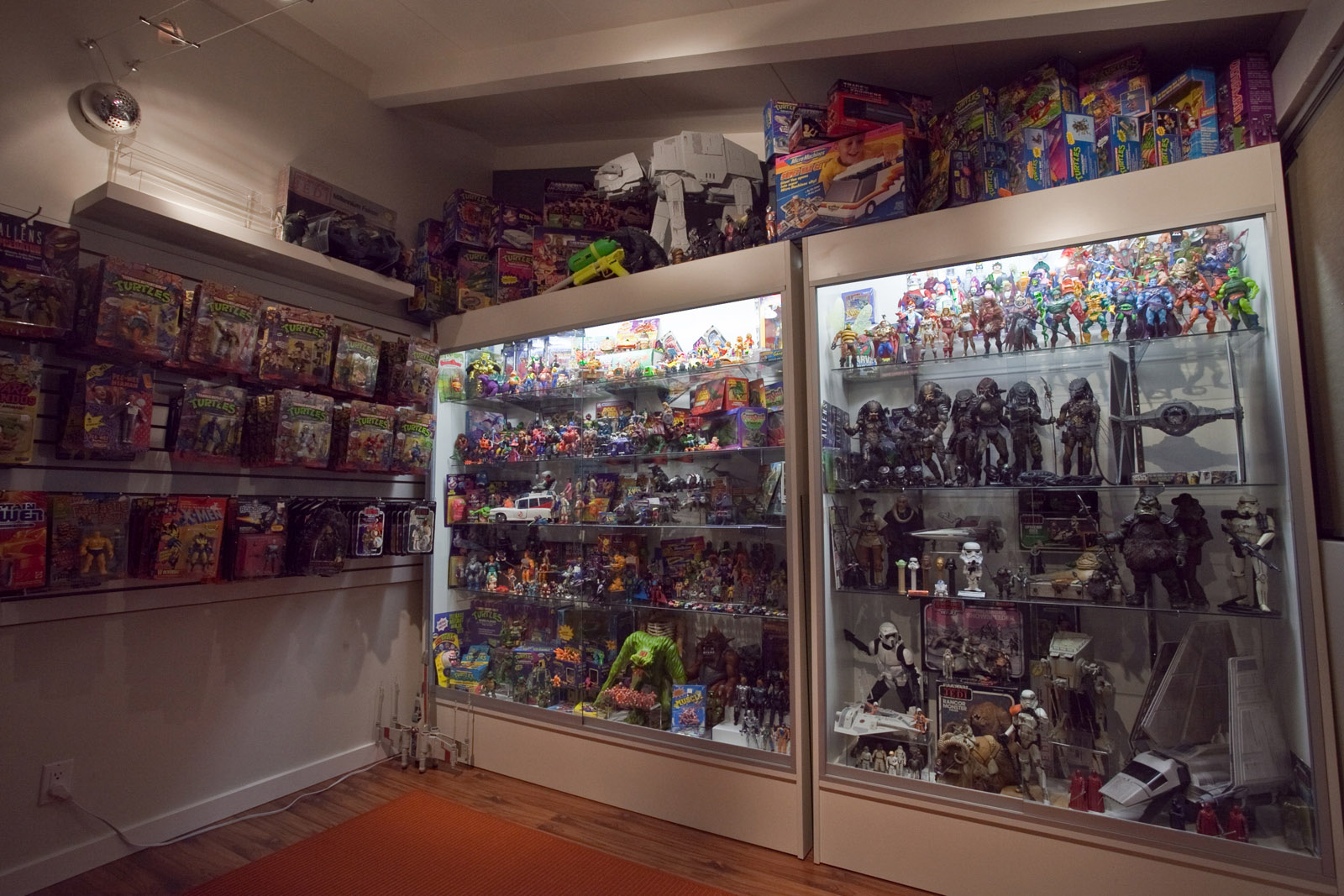 80 Toy Action Figure Shelves - chriscollection1_Beautiful 80 Toy Action Figure Shelves - chriscollection1  Pic_335359.jpg