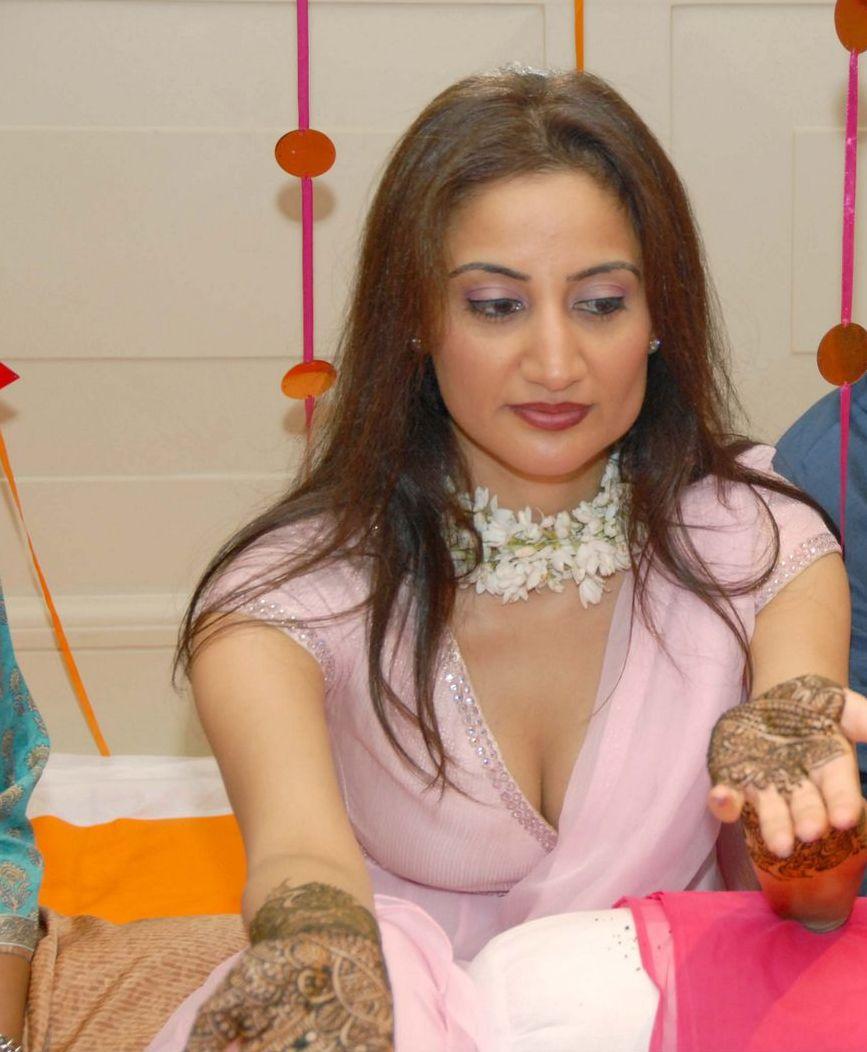 Mallu Aunties Photos Indian Hot Bhabhi Photo-9672