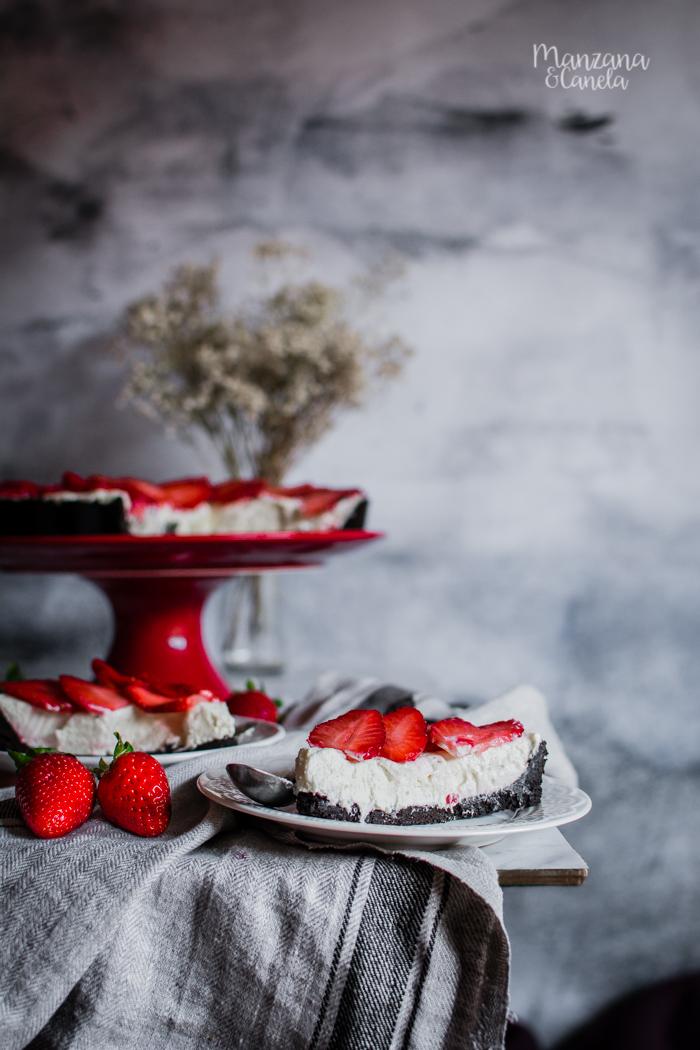 Tarta de Oreo y fresas. Receta sin horno.