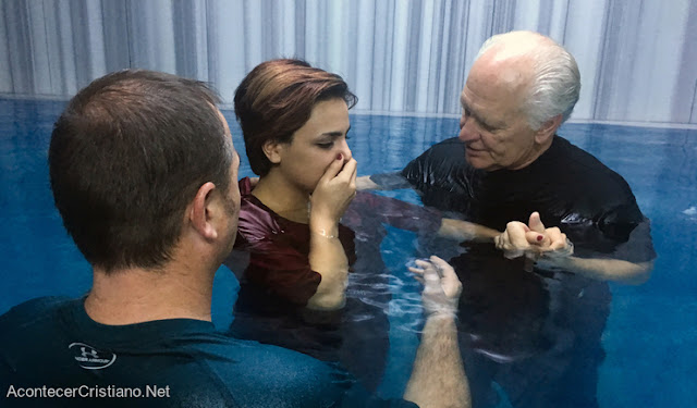 Batismo de mulheres iranianas