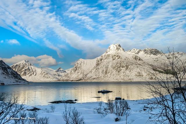 Lofoten, paisaje de alta montaña, por El Guisante Verde Project