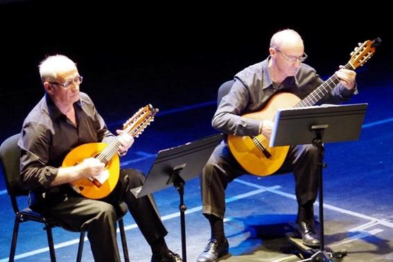 J. Antonio Ferrando -bandúrria- i Salvador Caballer -guitarra-