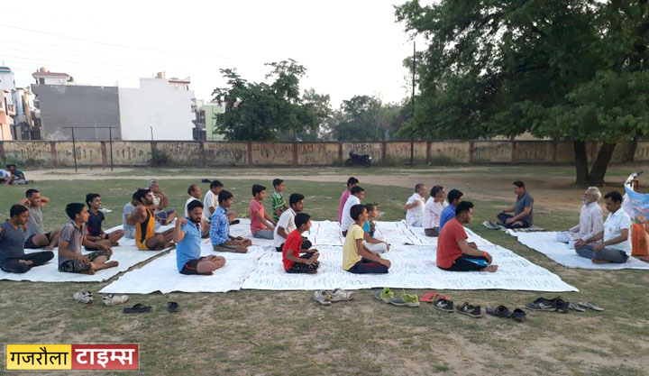 yoga_day_gajraula