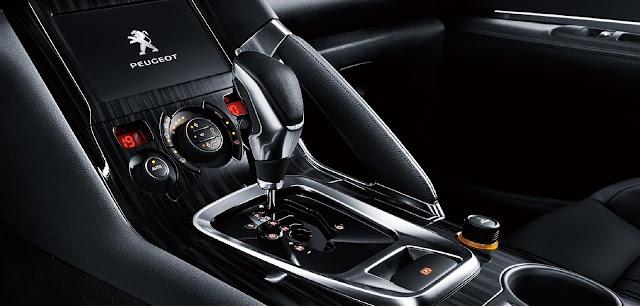 Peugeot 3008 được trang bị hộp số tự động 6 cấp 3 chế độ mang lại nhiều trải nghiệm tuyệt vời