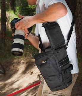 Cara Bawa Tas Kamera Jenis Toploading