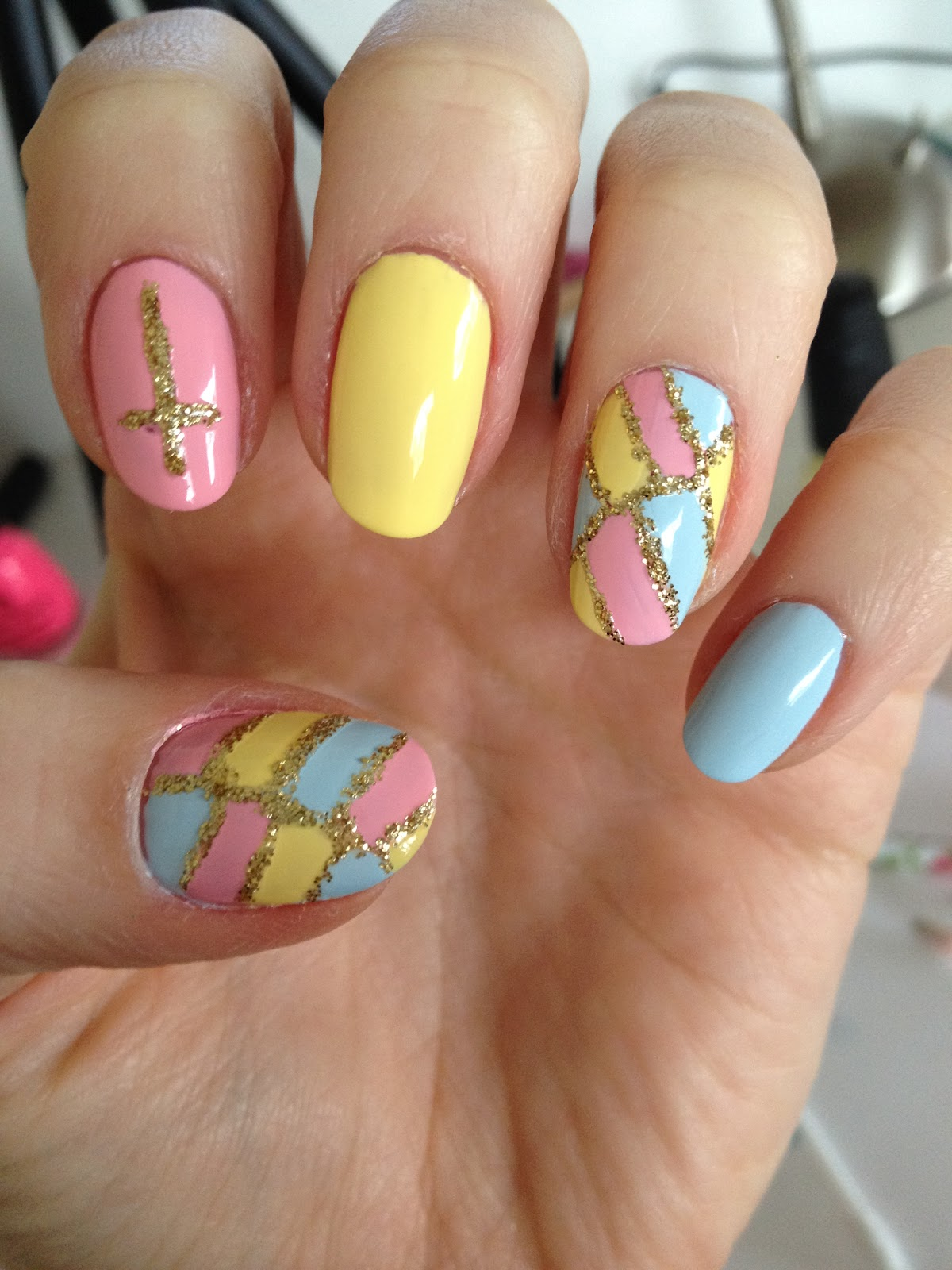 PlasmaSpeedo: Easter Nails?