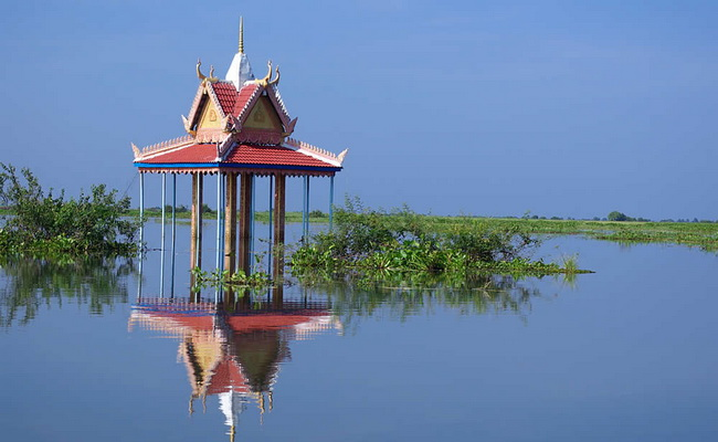 www.xvlor.com Tonle Sap is blend of river and lake systems for Mekong reservoir