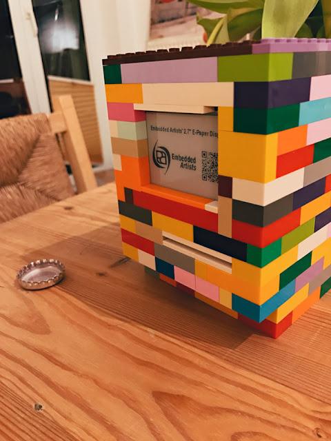 Macintosh Classic com LEGO
