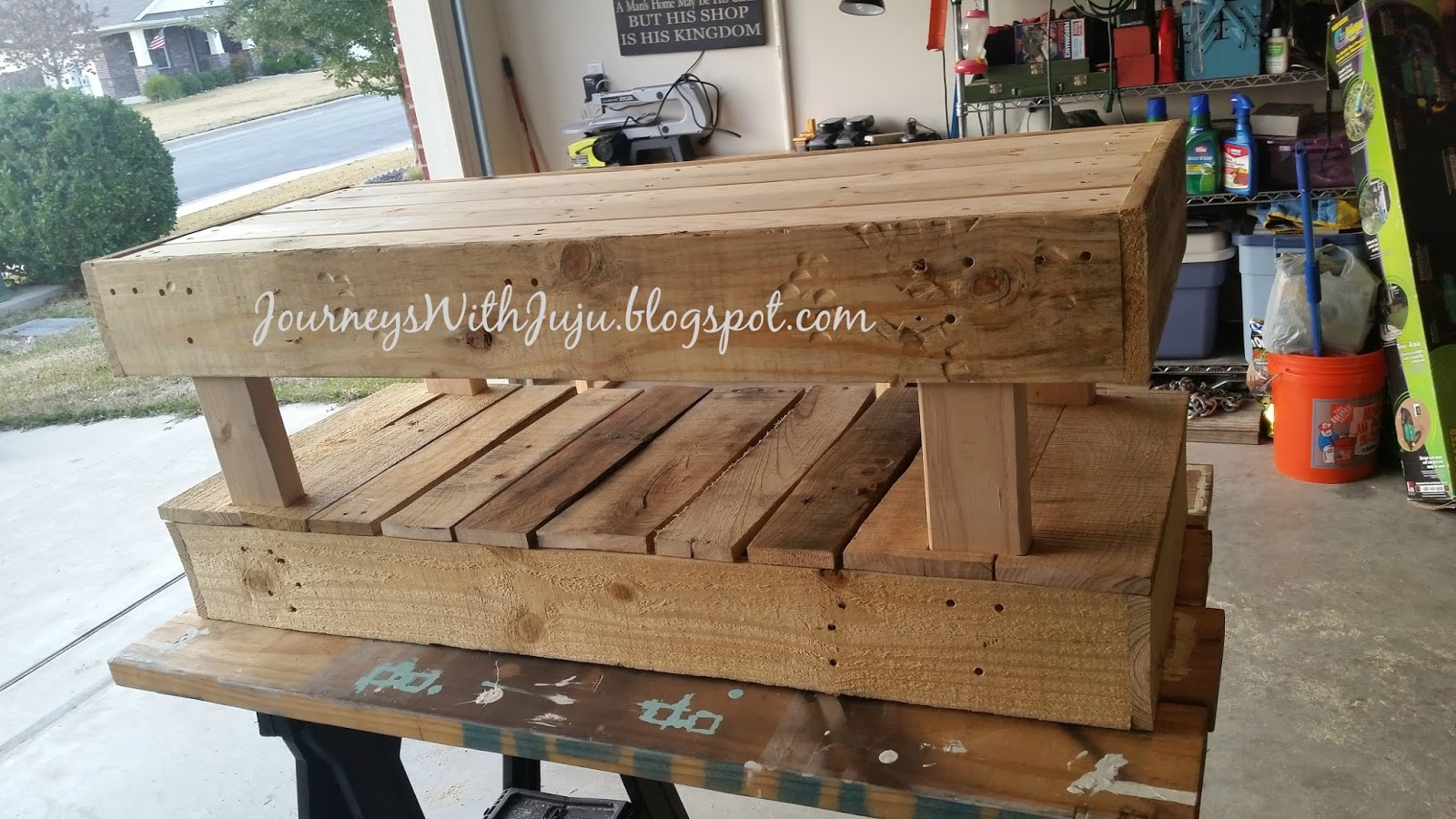 Journeys with juju diy bench from free pallets for Building a bench from pallets