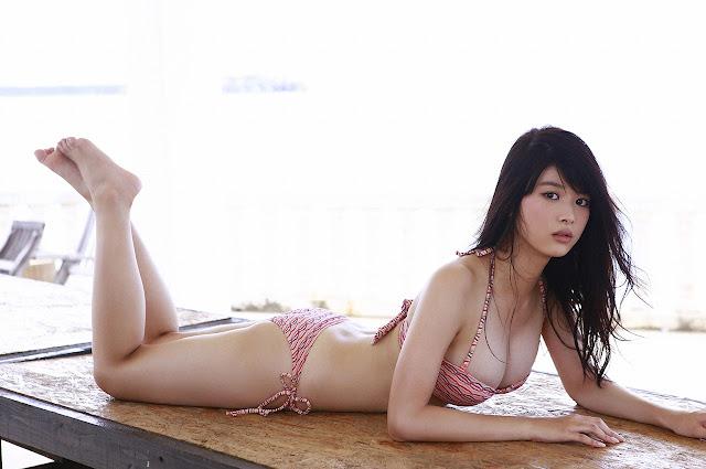 Baba Fumika 馬場ふみか Red Stripe Bikini Pics 3