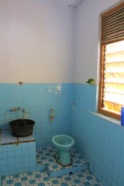kamar mandi wisma maria 1