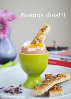 Hoy desayuno... Huevo con bastones de pan a la mostaza