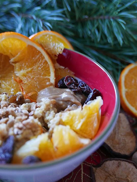 Świąteczna jaglanka z tahini i pomarańczą