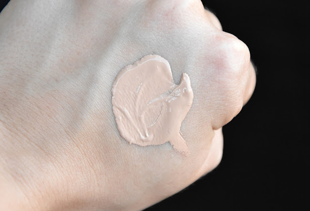 Swatch Alverde Color Correction Cream