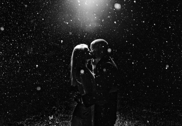 Аниме картинки чёрно белые парень с девушкой