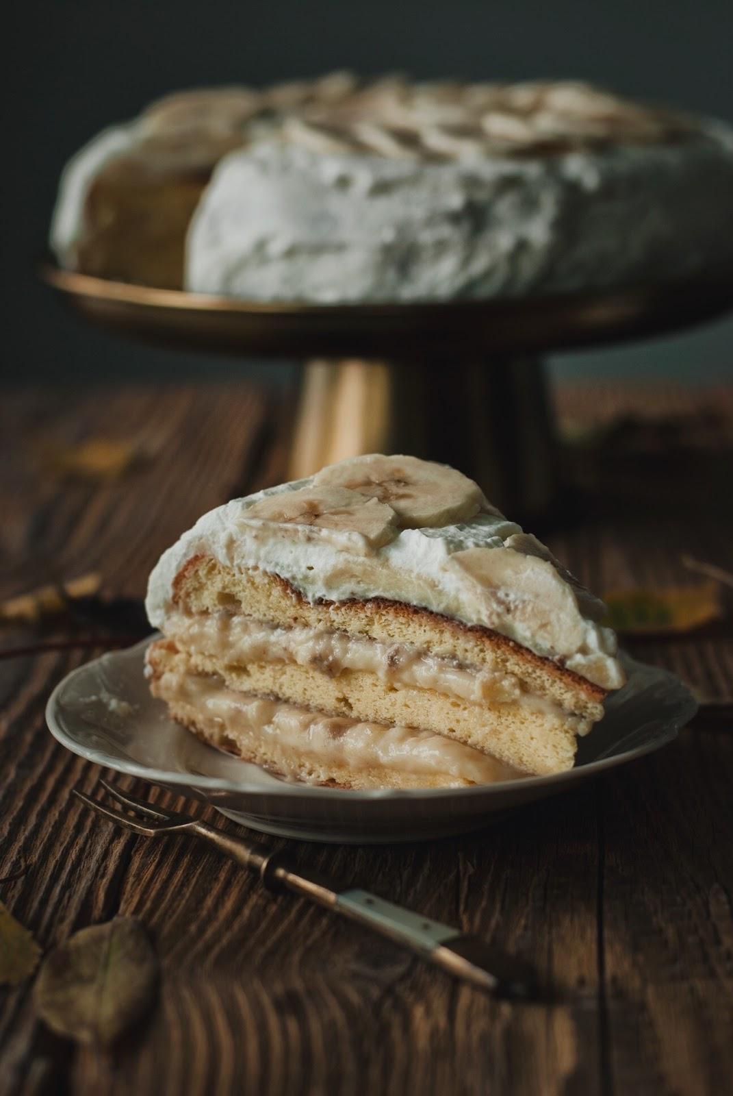 Tort bananowy z budyniemi i mlekiem skondensowanym