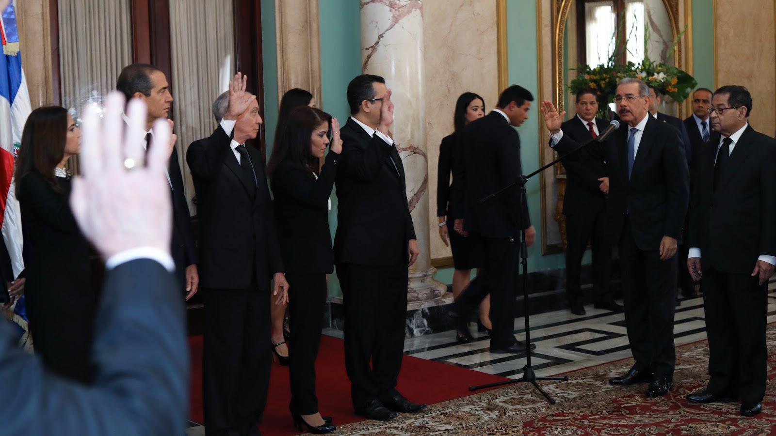 VIDEO: Danilo Medina juramenta nuevos miembros Tribunal Superior Electoral y Suprema Corte de Justicia