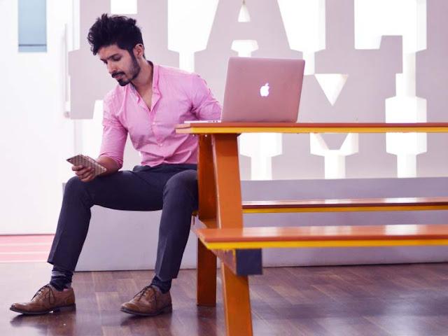 Blog Calitta veja a nova tendencia de homens usarem roupas cor de rosa