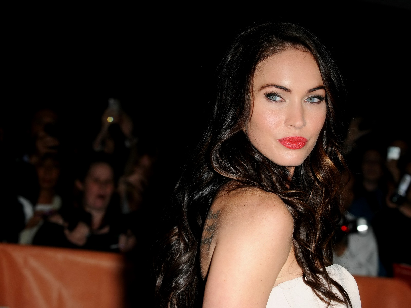 Online Wallpapers Shop Megan Fox Wallpapers: Global Pictures Gallery: Megan Fox Wallpapers
