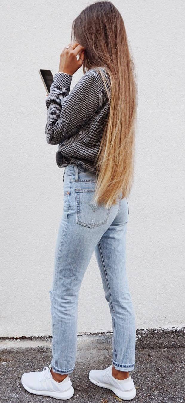 simple outfit idea: top + jeans