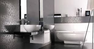 Baños decorados con gris