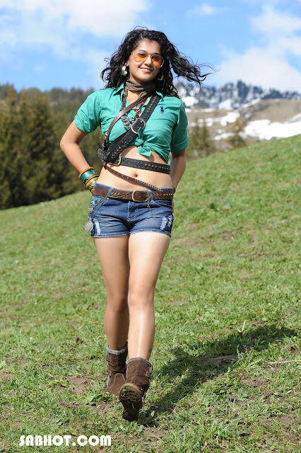 Taapsee Pannu hot in Shadow Movie