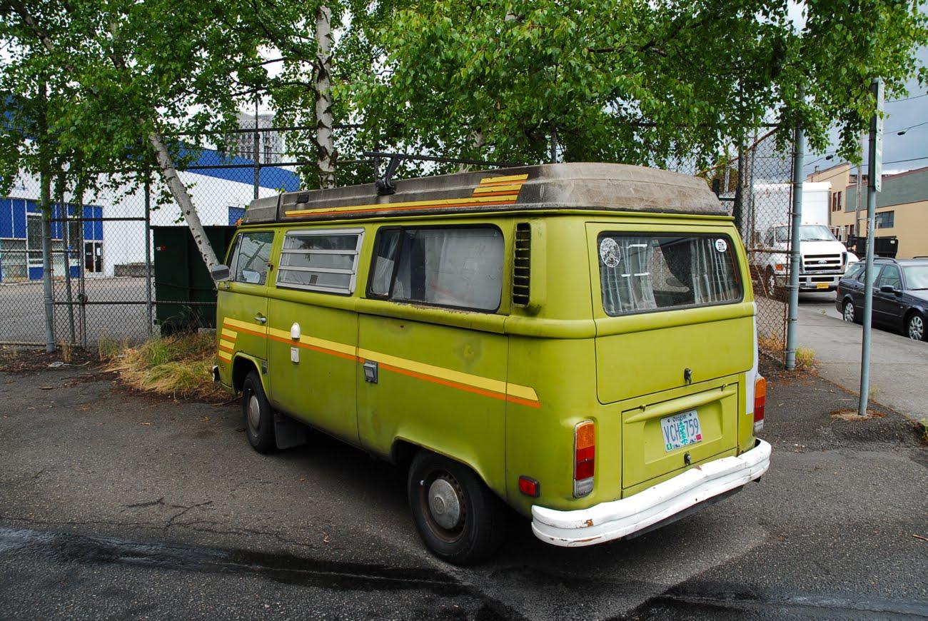 OLD PARKED CARS.: 1977 Volkswagen Westfalia.