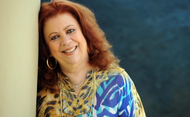 Morre Beth Carvalho, uma das maiores intérpretes do samba