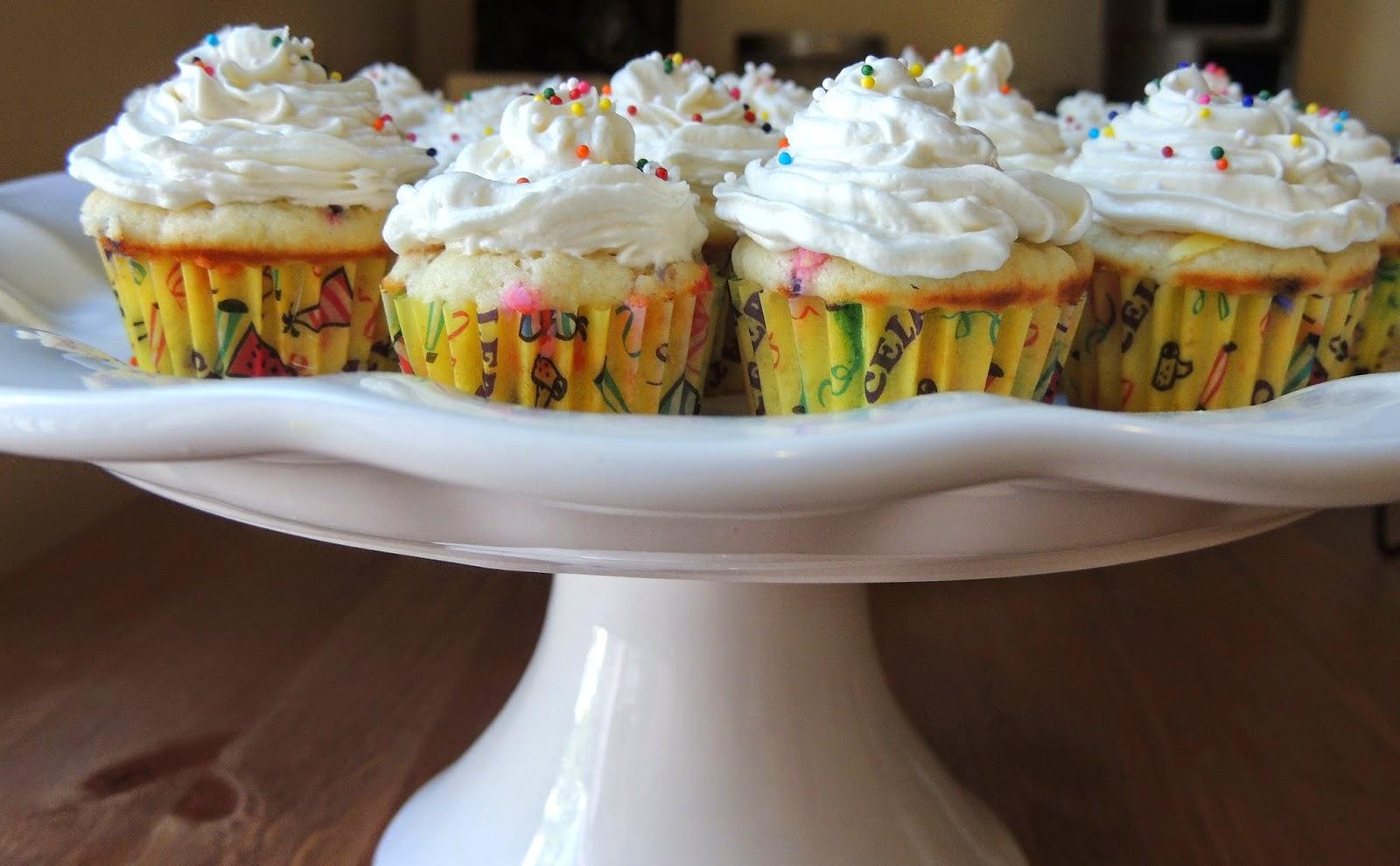 Funfetti Cake Recipe Joy Of Baking: Gas Stove Girl: Mini Funfetti Cupcakes