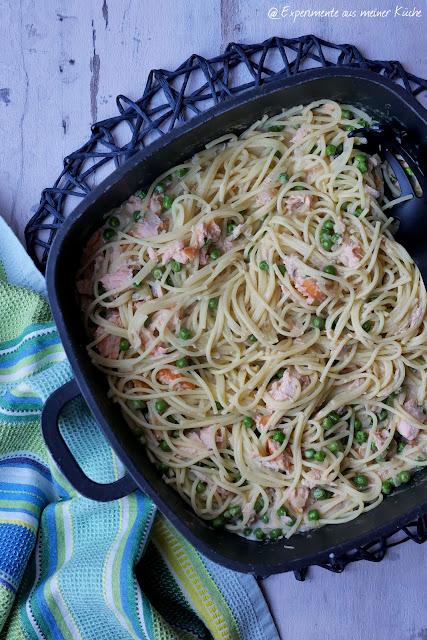 Cremige Lachs-Pasta mit Erbsen | Rezept | Kochen | Essen | Nudeln