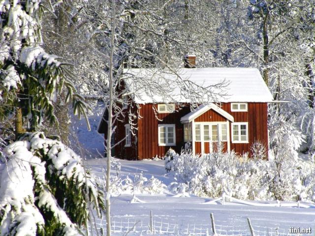 ảnh ngôi nhà giữa mùa đông tuyết trắng