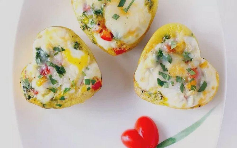 Omelet Bentuk Hati (bebeandbear.com)