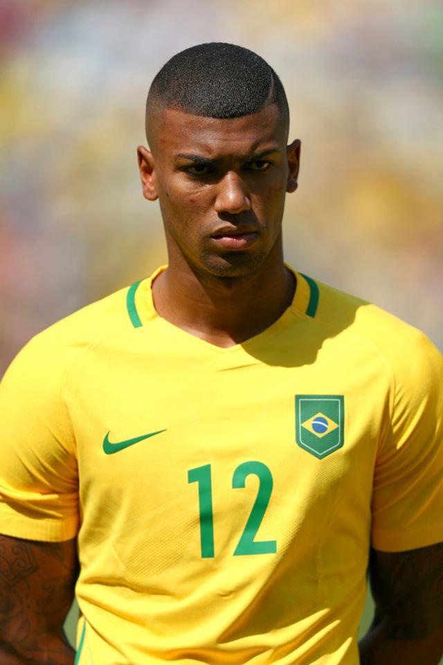 Não-liberação do Hamburgo para jogar no Flamengo irrita Walace ... 04e3e80a26cdc