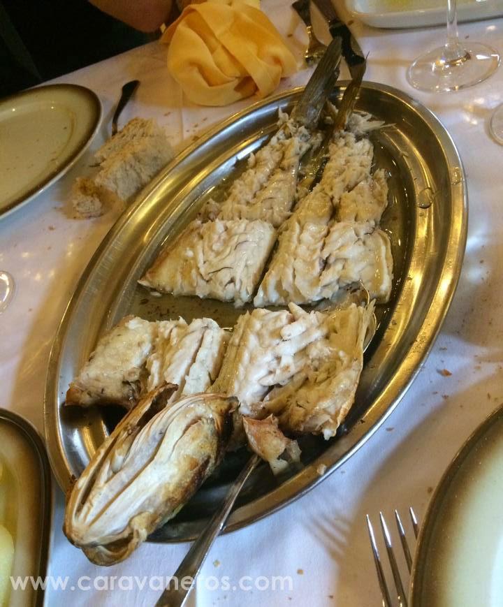 Foto de Lubina a la brasa del Restaurante Tira de Cordel | caravaneros.com