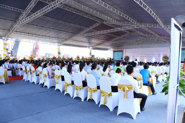 Khách tham dự lễ khởi công Roman Plaza