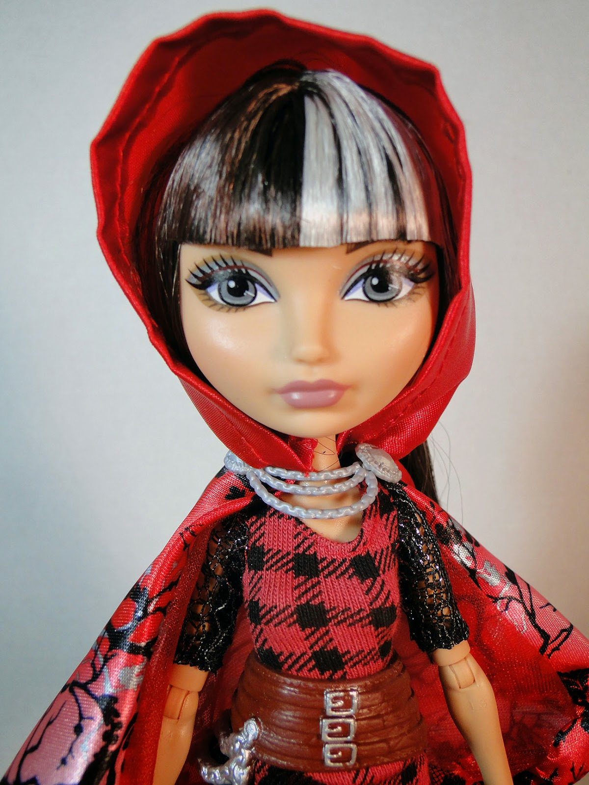 The Doll Garden Ever After High Cerise Hood Basic Re