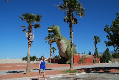 roadside attraction california dinosaurs