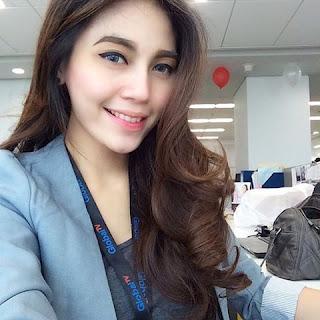 Wanita karir asal Indonesia Aglonera