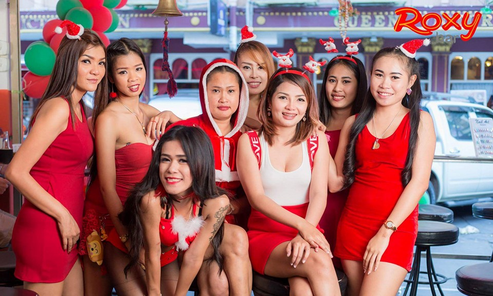 PATTAYA NIGHT CLUBS: XMAS Roxy Bar Soi 6 Pattaya