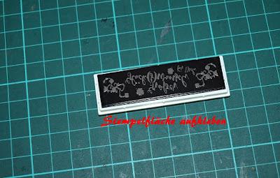 Stempel auf Montageplatte geklebt
