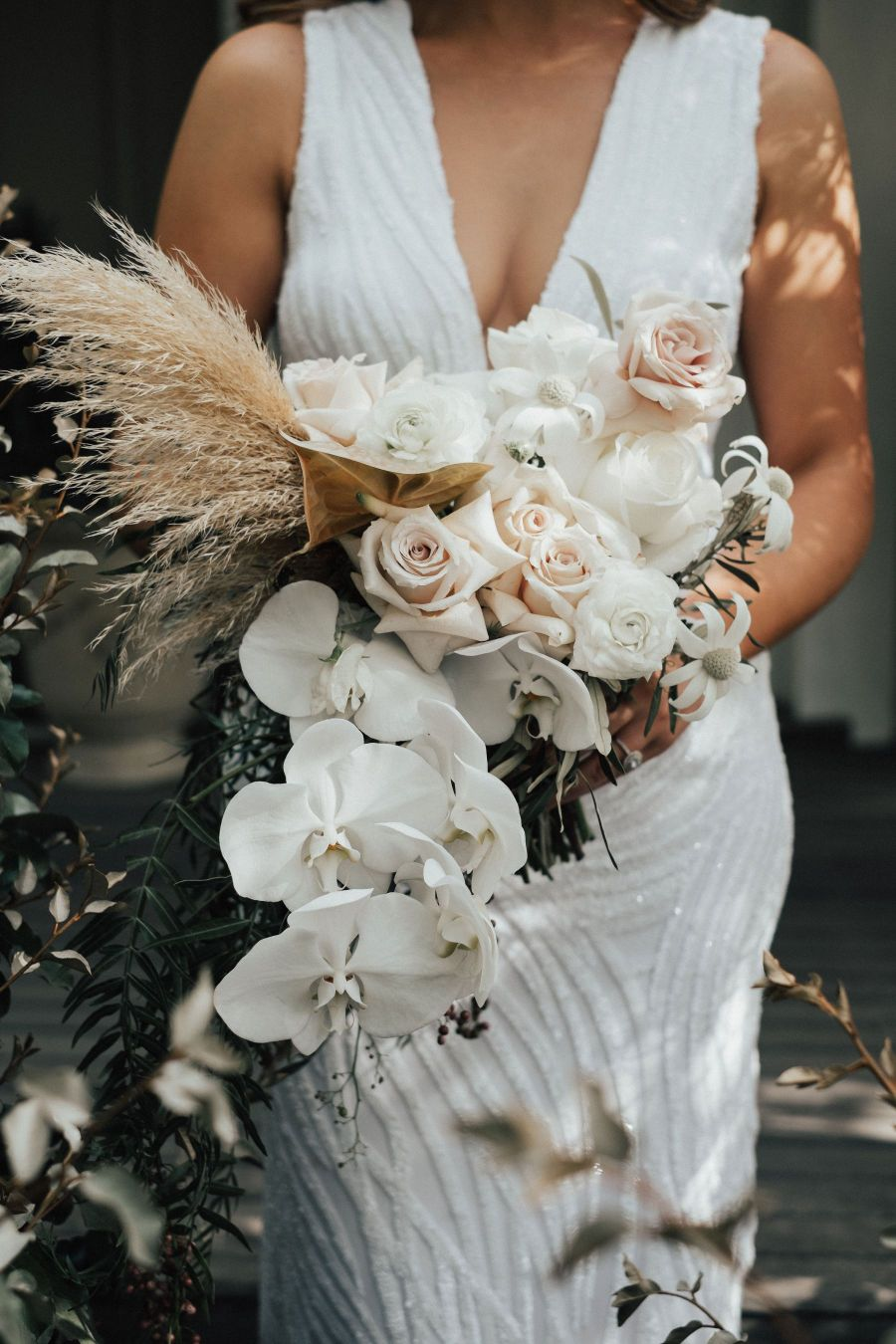 heart and the sea wedding photography floral design sydney southern highlands wedding flowers installation bouquets
