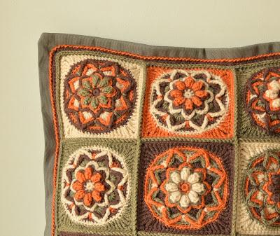 Crochet patten of colorful pillow