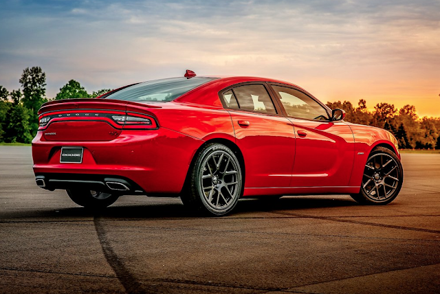 2014 Dodge Charger R/T red