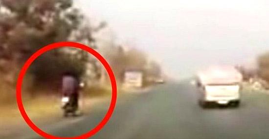 Essa pode ser a melhor maneira de sofrer um acidente de moto - Capa